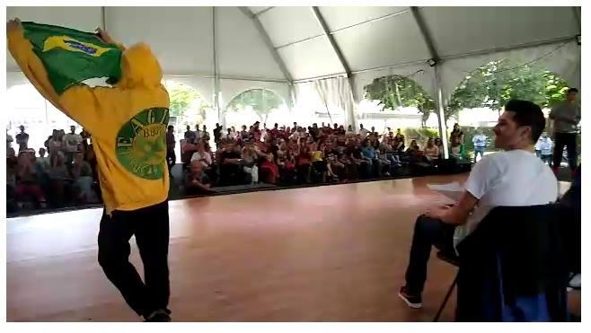 Garoto de 12 anos vende carro da família para participar de competição de dança e conquista 2º lugar