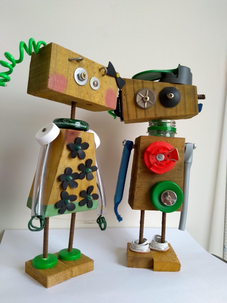 artista faz robôs adoráveis material descartado construção civil