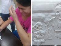 mãe perdeu visão salvar filha emociona fotografia 3D