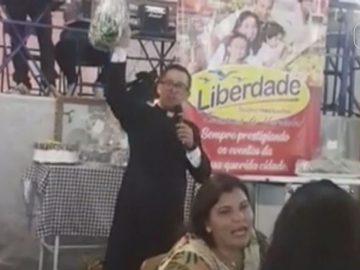 Em leilão de igreja, pacote de macarrão é arrematado por R$ 12 mil após gesto humilde de idoso 1