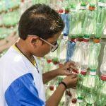 Alunos constroem ecobarreira para filtrar lixo próximo da escola em Recife (PE) 1