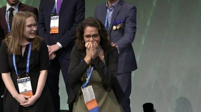 """Brasileira de 18 anos vence feira mundial de ciências: """"Parece mentira"""""""