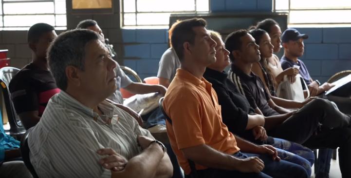 qualificação profissional refugiados venezuela projeto Tembici