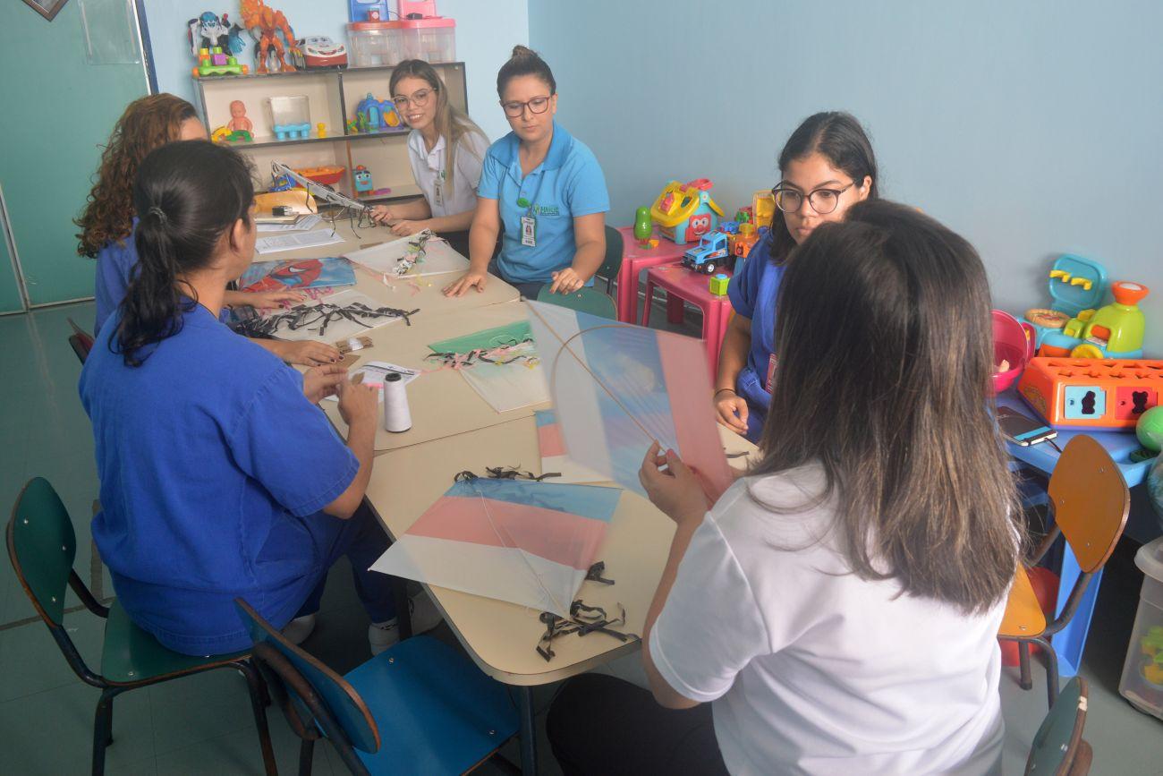 Pipas ajudam no tratamento e redução de estresse de crianças internadas em hospital