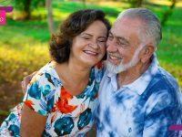 após namorar cartas casal constrói casamento meio século