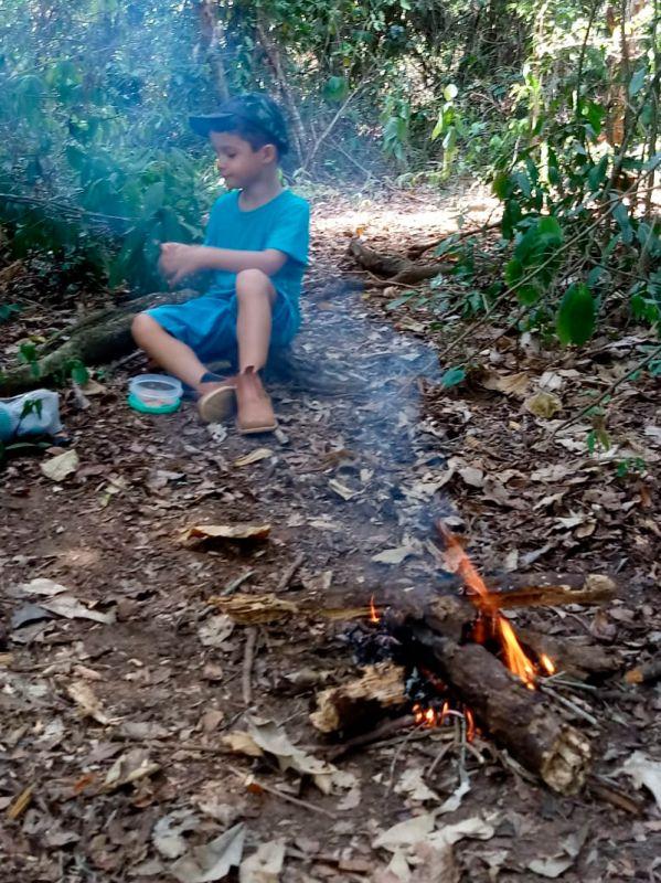 Montanhista leva filho autista às suas aventuras na natureza