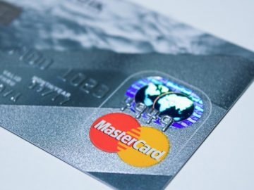 Mastercard permitirá que transgêneros escolham nome no cartão 1