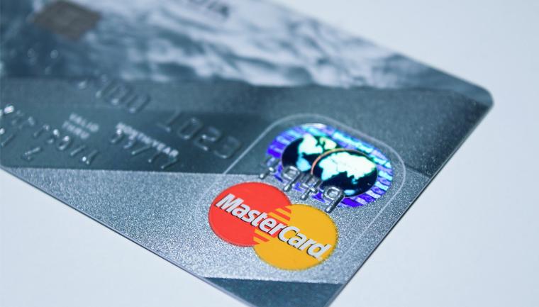 Mastercard permitirá que transgêneros escolham nome no cartão 2