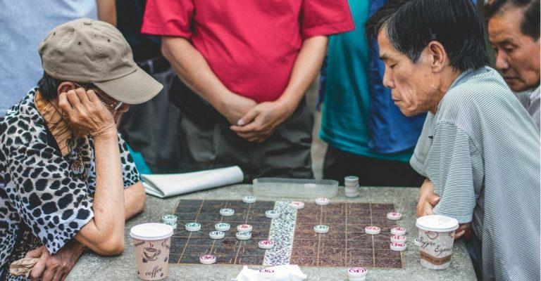 Alunos da UFF criam jogos para idosos exercitarem a mente