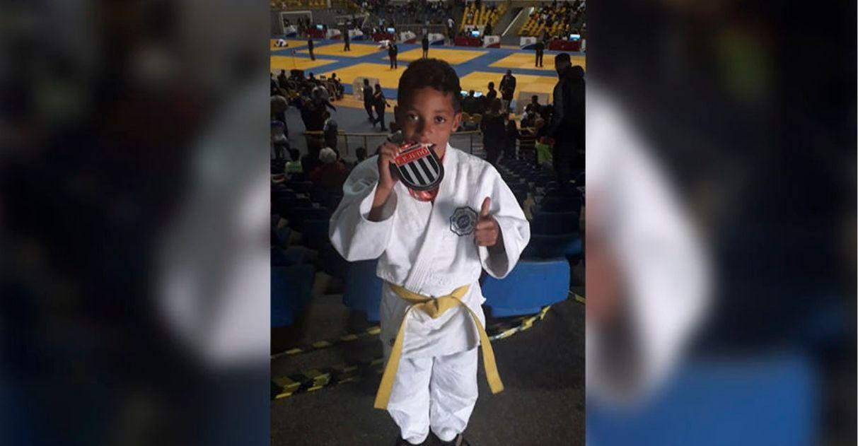 Menino que catava latinhas para competir vence campeonato paulista de Judô