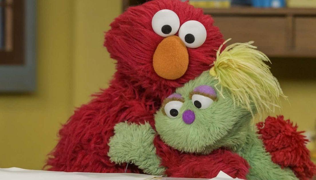 Vila Sésamo estreia novo personagem muppet que mora em um lar adotivo