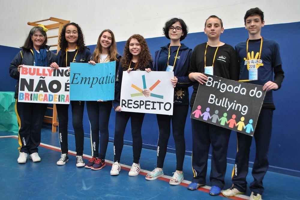 Alunos organizam ação contra assédio em escola de Curitiba (PR)