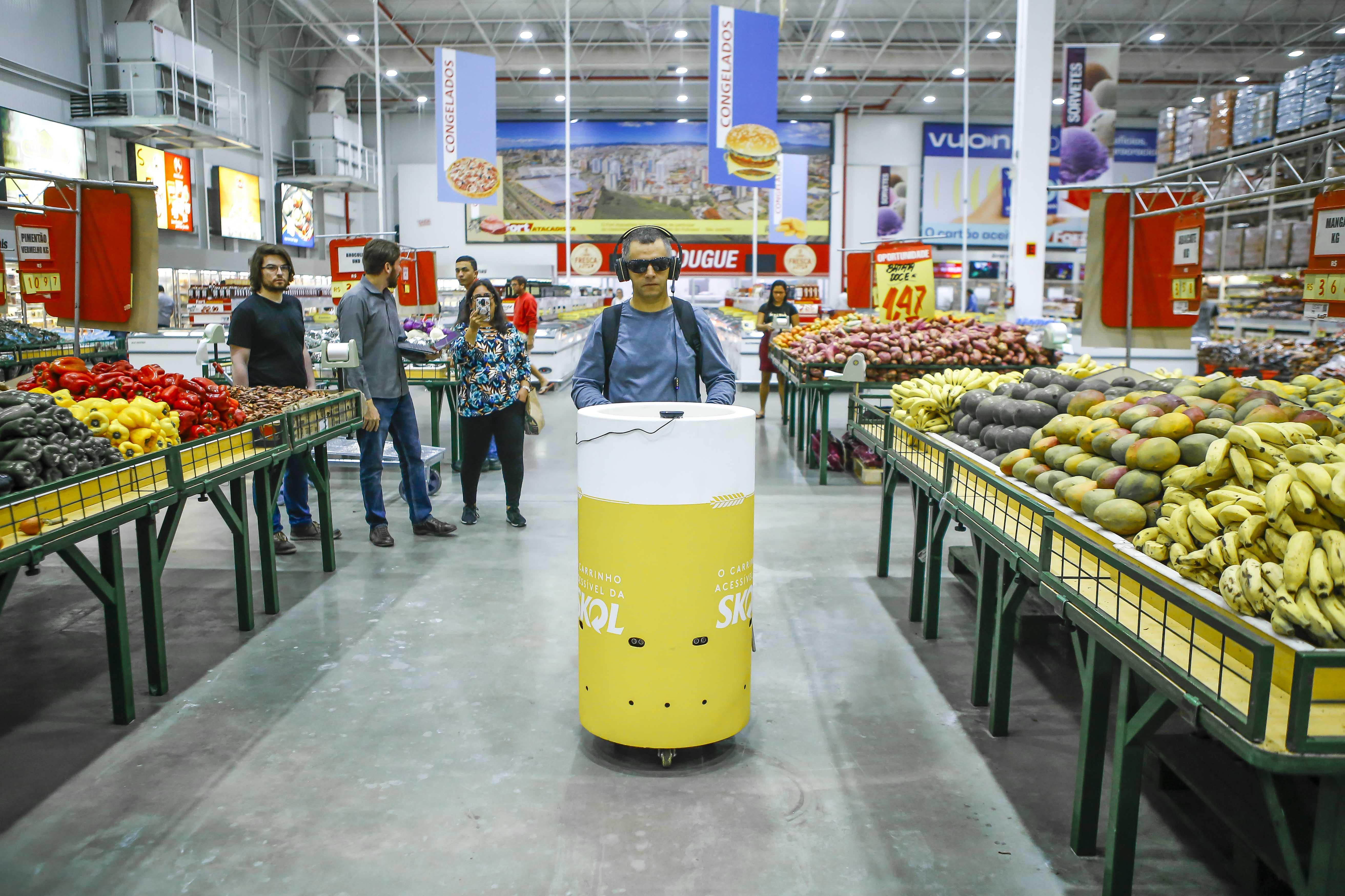 SKOL carrinho deficientes visuais supermercados