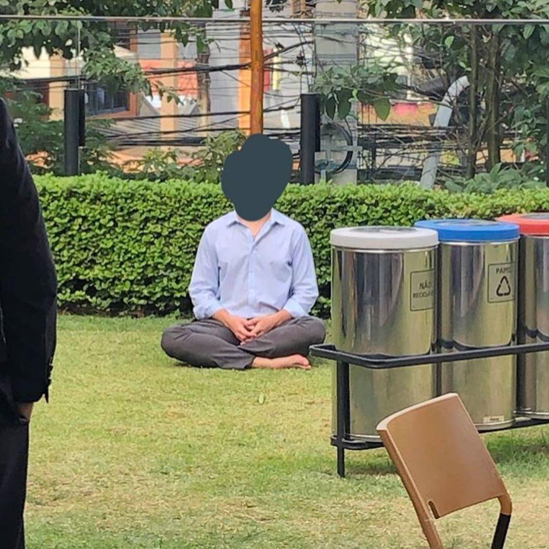 após ser zombado meditar centro financeiro SP ele criou grupo meditação