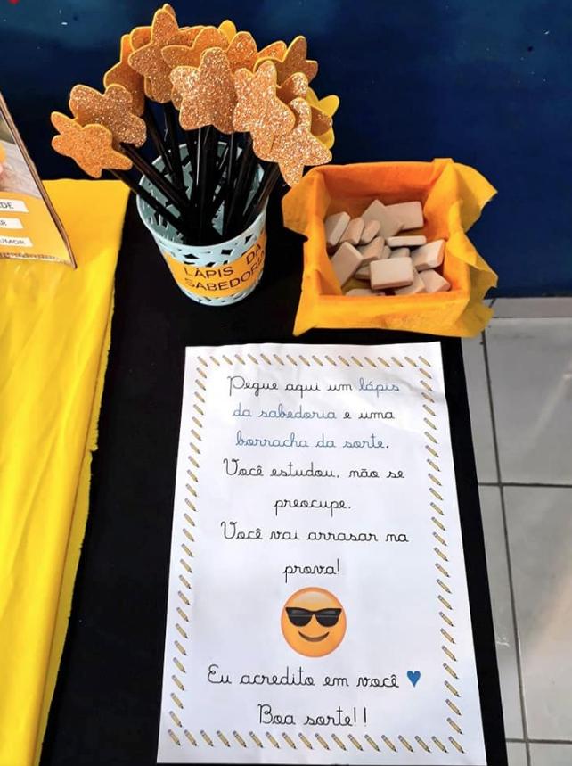 professora realiza festa pre prova para alunos nao ficarem nervosos acao viraliza
