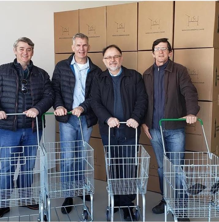 empresario cria carrinho de compras para diminuir consumo sacolas plasticas