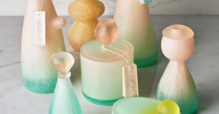 Designer cria embalagem de xampu feita de sabão que desaparece no fim do uso