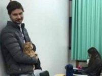Para aluna fazer prova, professor cuida de seu gatinho machucado no RS