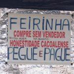 Casal monta barraca sem vendedor e vende produtos à base da confiança em Cacoal (RO)