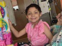 Menina derrota o câncer e doa seus brinquedos a crianças ainda internadas em hospitais