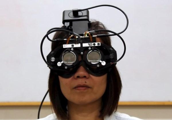 Engenheiros criam 'óculos autofocais', que corrigem visão automaticamente