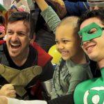 Voluntários se vestem de super-heróis para levar força e esperança para crianças com câncer