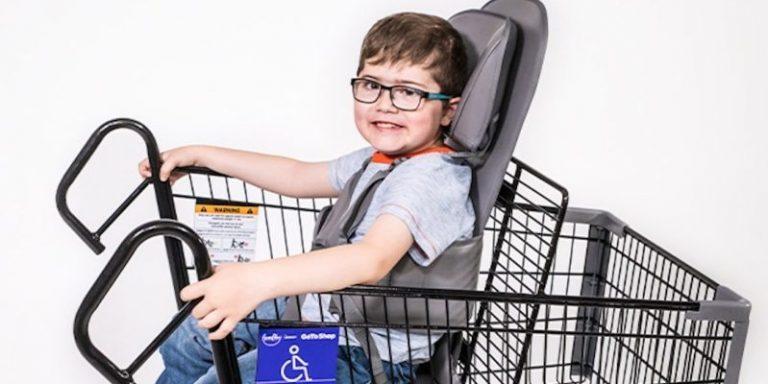 supermercado oferece carrinhos adaptados crianças deficiência