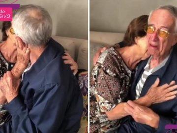 idosos se abraçando