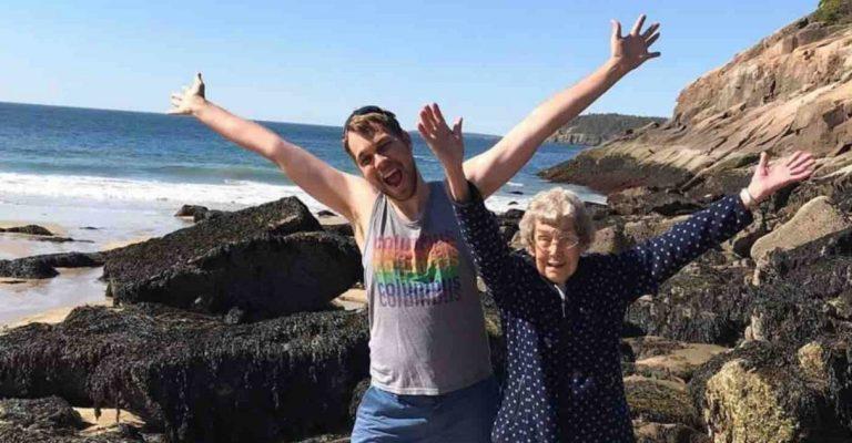 Neto avó praia após dizer nunca tinha visto oceano