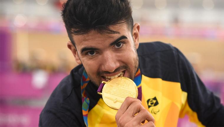 lauro chaman medalha ouro parapan lima