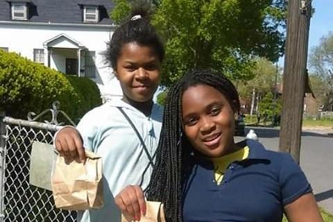 Mãe seis crianças faz cem lanches dia alimentar crianças vizinhança