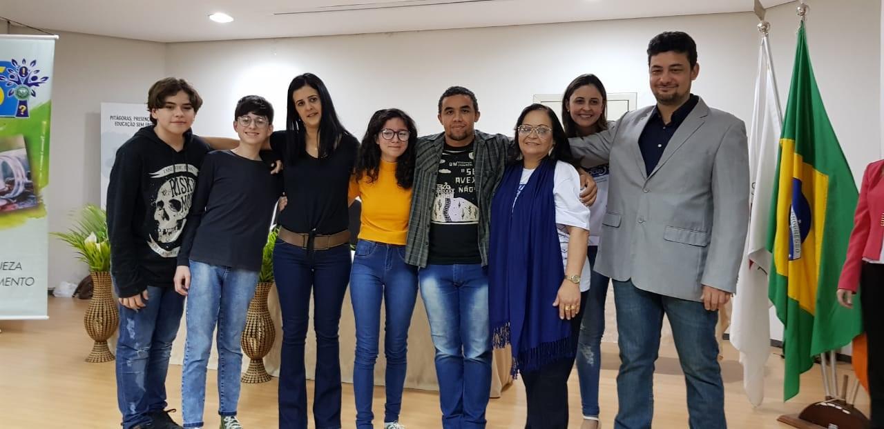 """Estudantes em Divinópolis (MG) criam perfil para informar e acolher mulheres vítimas de violência: """"Assunto nunca é falado nas escolas"""" 1"""