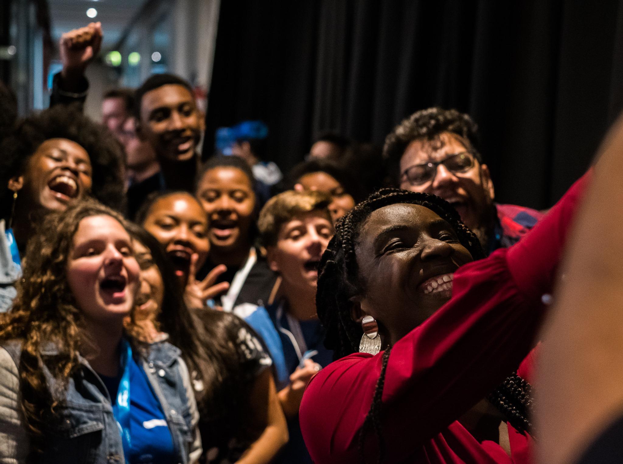 Público faz selfie com palestrante do Festival SGB