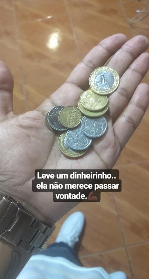 moedas dinheiro mão