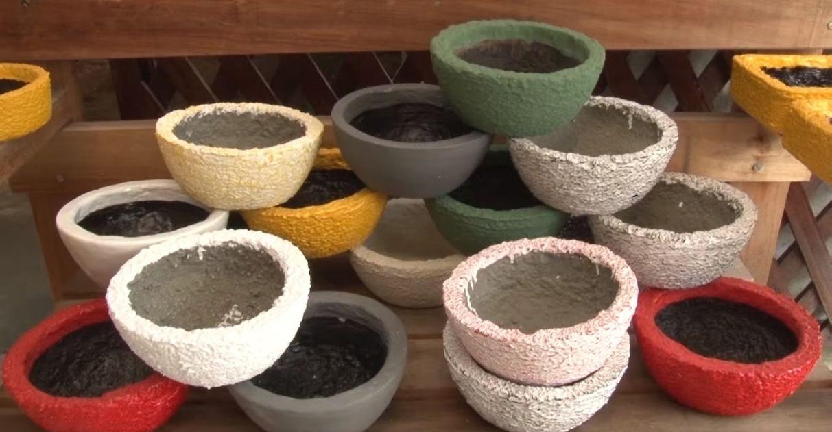 Microempreendedor produz vasos artesanais e tijolos com isopor reciclado em MG
