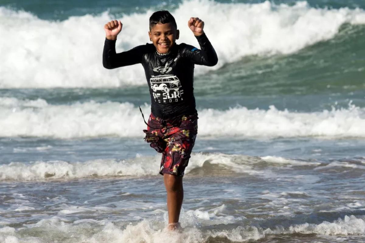 Juan Yure Chagas venceu o câncer e tornou o surfe seu principal hobby