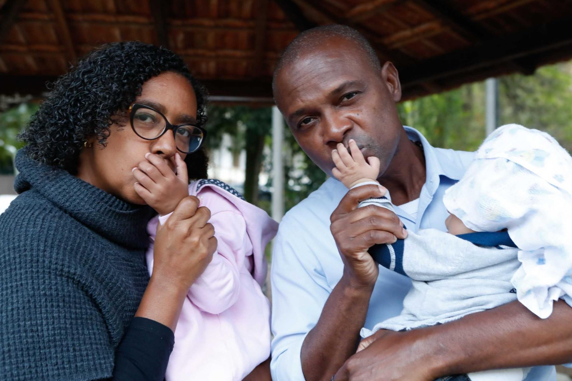 pais inscritos no projeto família acolhedora que fornece lar a crianças abandonadas