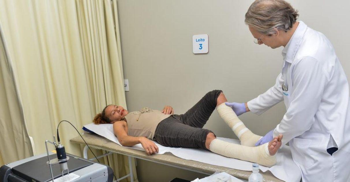 Programa atende pacientes de baixa renda com feridas crônicas em BH