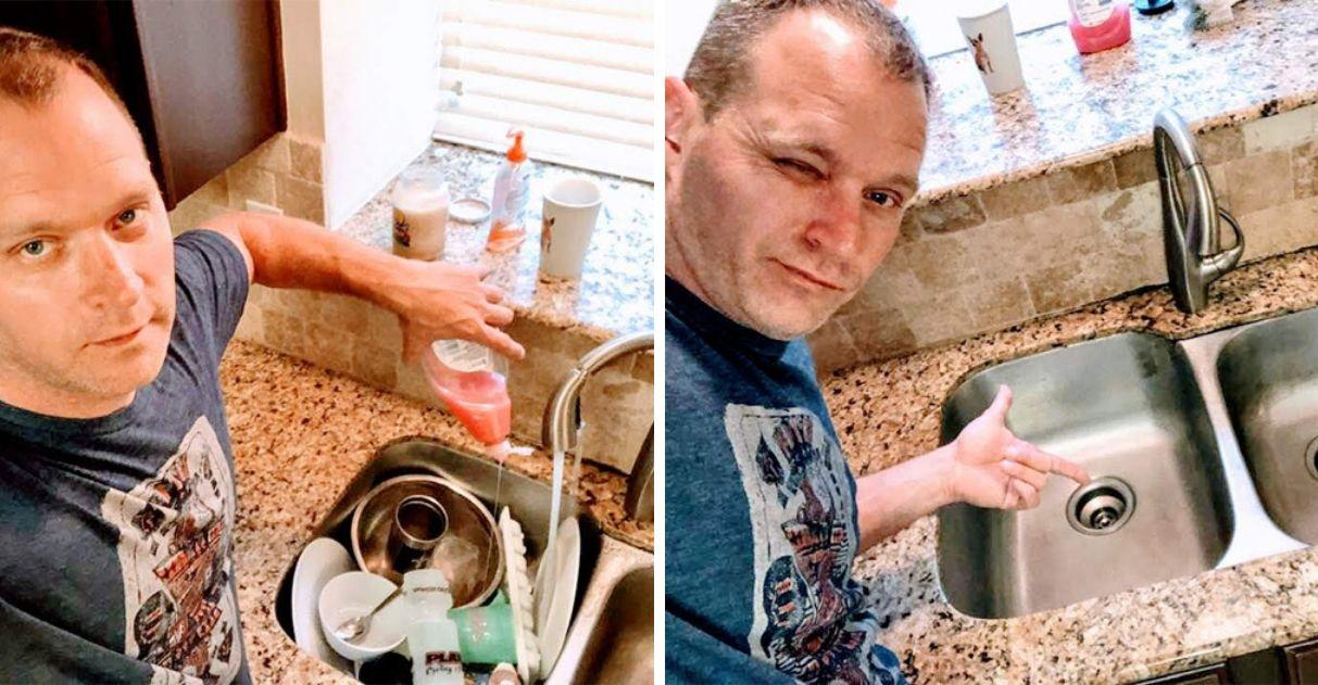 homem lavando louça