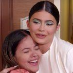 Kylie Jenner faz doação milionáriapara fã que cuida de crianças carentes 2