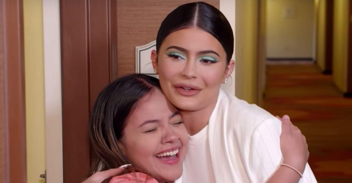 Kylie Jenner faz doação milionáriapara fã que cuida de crianças carentes 5
