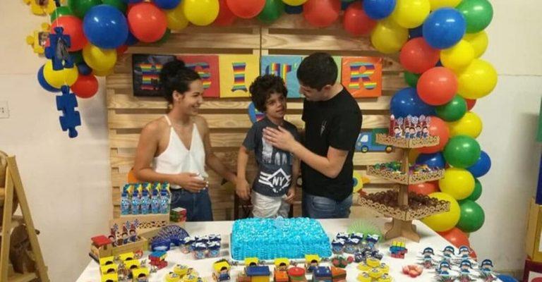 Menino festa de aniversário tema autismo conscientizar amigos