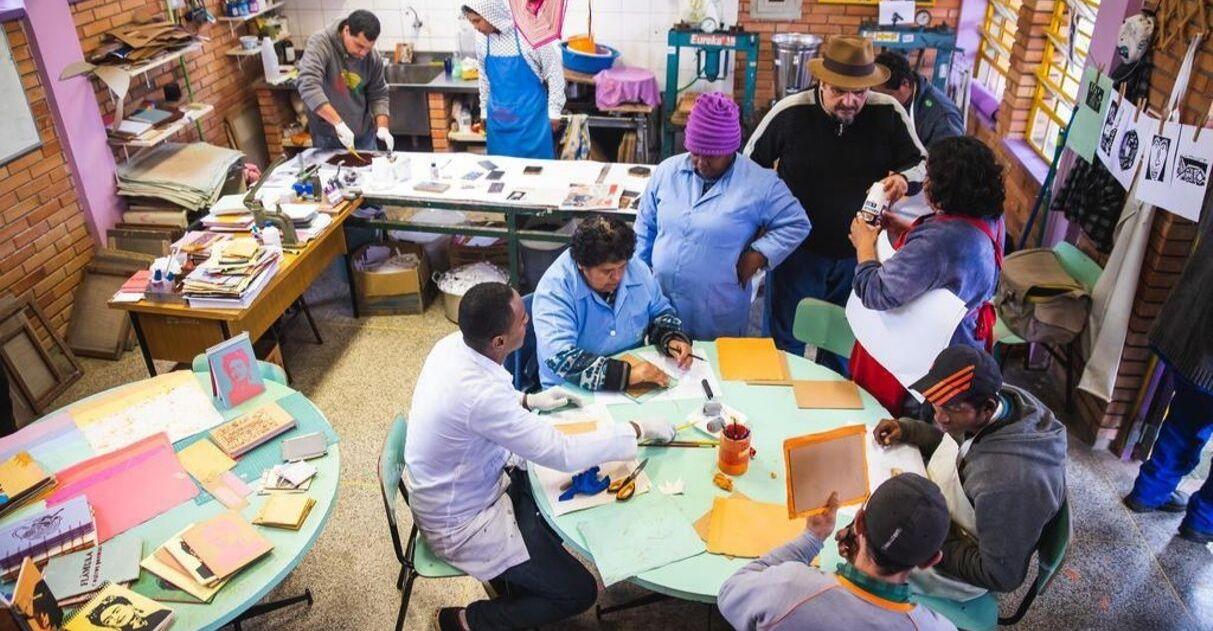 Escola leva educação a moradores de rua há mais de 20 anos em Porto Alegre (RS) 1