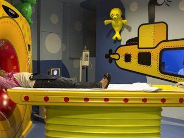 Instituto do Câncer transforma salas exames quimioterapia aquários crianças