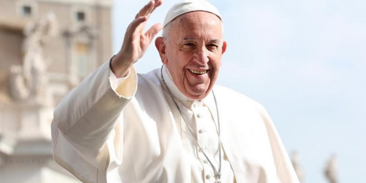 Papa Francisco promove bispo pró-LGBT a cardeal do Vaticano
