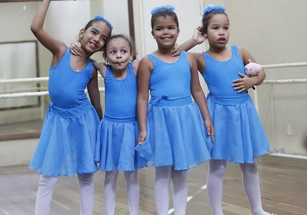 meninas aula balé