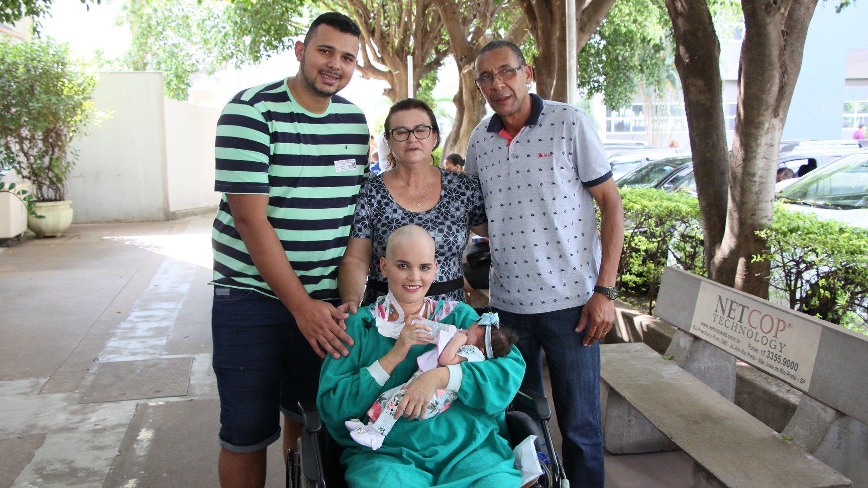 mãe com leucemia reencontra filha