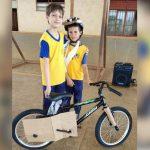 Menino doa bicicleta que ganhou em sorteio para amigo em RO 3