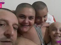 Família inteira raspa a cabeça para apoiar menina com tumor ósseo raro 11