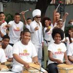 Carlinhos Brown promove inclusão social de crianças e adolescentes de comunidade em Salvador através da arte 1